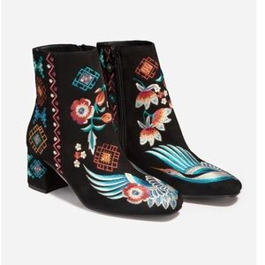 Johnny Was Embroidered Devine Black Bootie 39 NWT